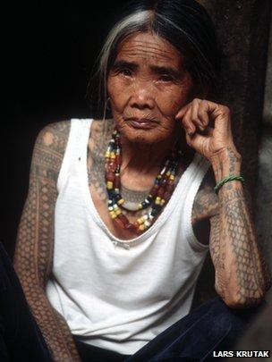 Kalinga tribal tattoo artist Whang-Od. Photo via Lars Krutak.